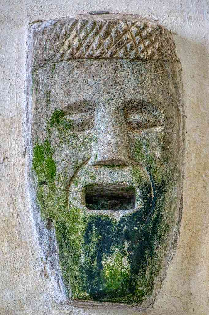 A Norman head, simple yet so expressive.
