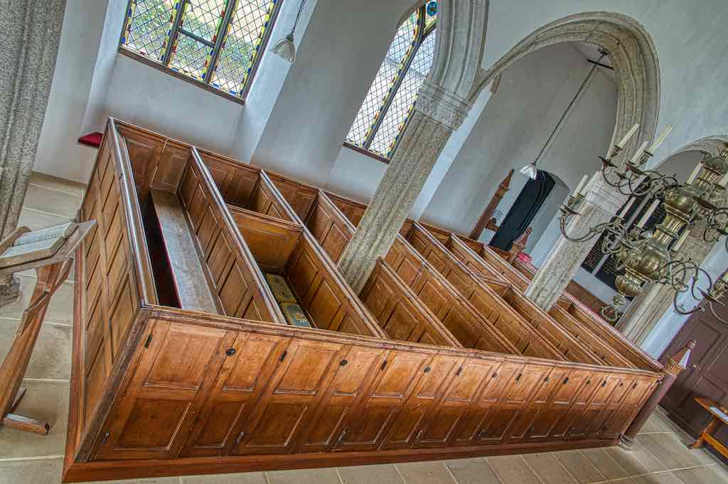 A beautiful set of probable 18th century box pews, or maybe early 19th. Bliss does not care.