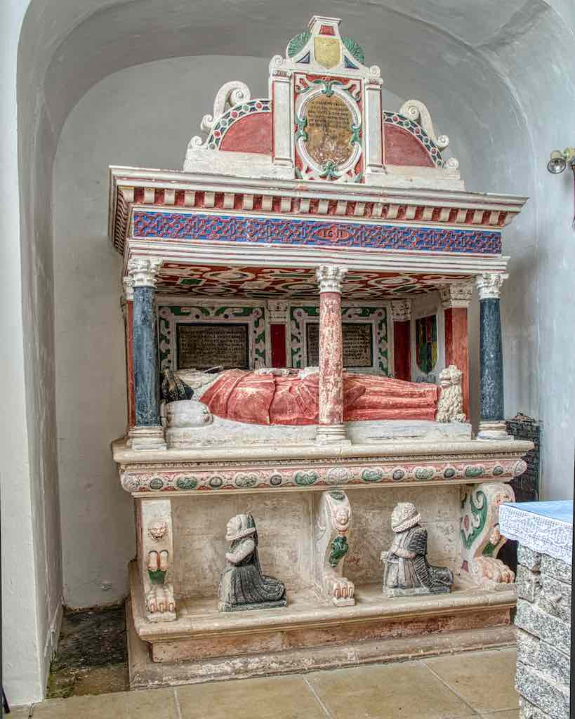 The early 17th century Harris monument with its original colours, a tad faded.
