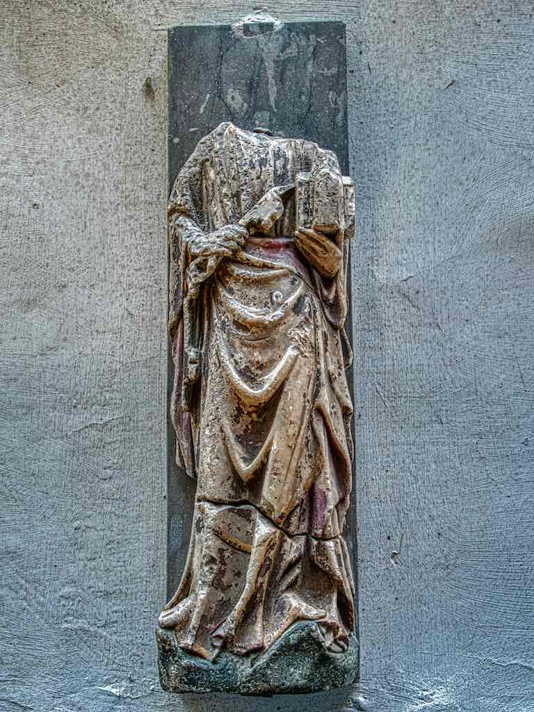 14th/15th century alabaster statue of St Peter, probably from Nottingham.