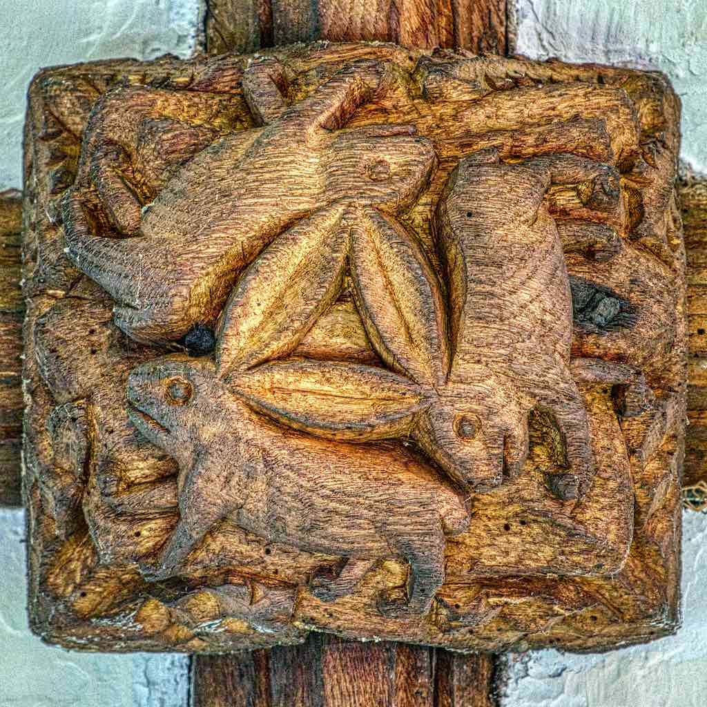 Roof Boss Three Hares Wood Carving Plain 16th Century Medieval Mid Devon Dartmoor Throwleigh