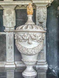 Monument Urn Thomas Putt Marble Stone Carving Plain Foliage 17th Century Gittisham