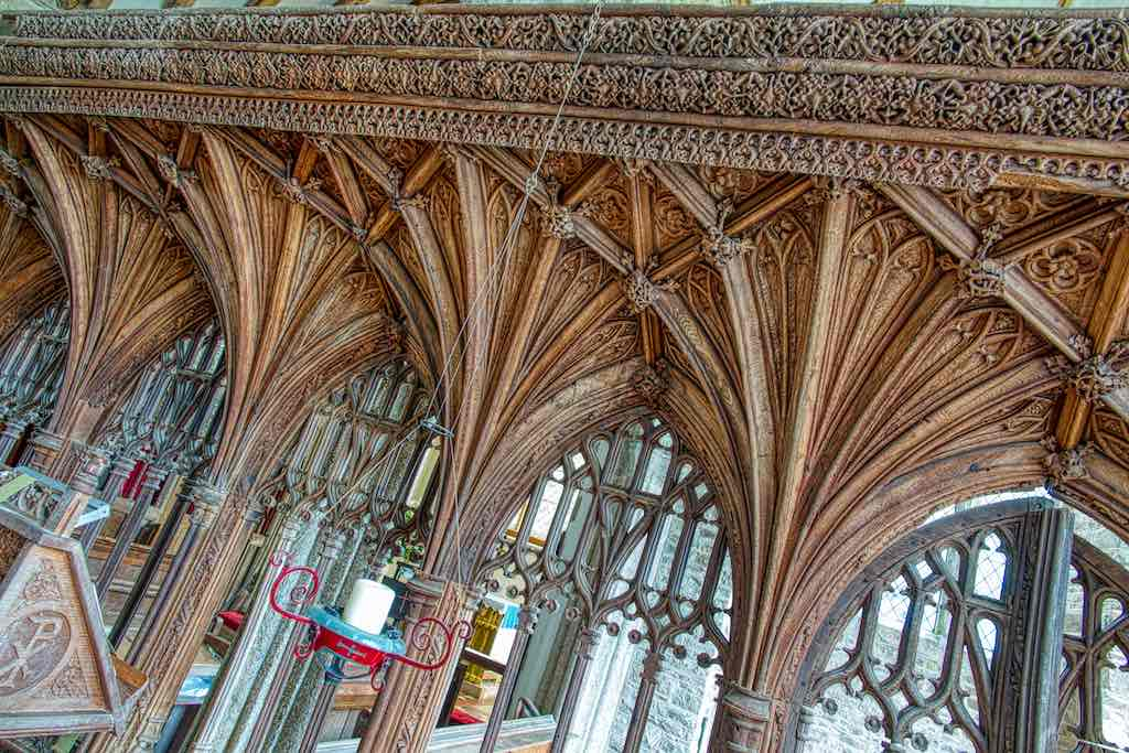 The oak rood screen from the 1500s is one of the best preserved in the county