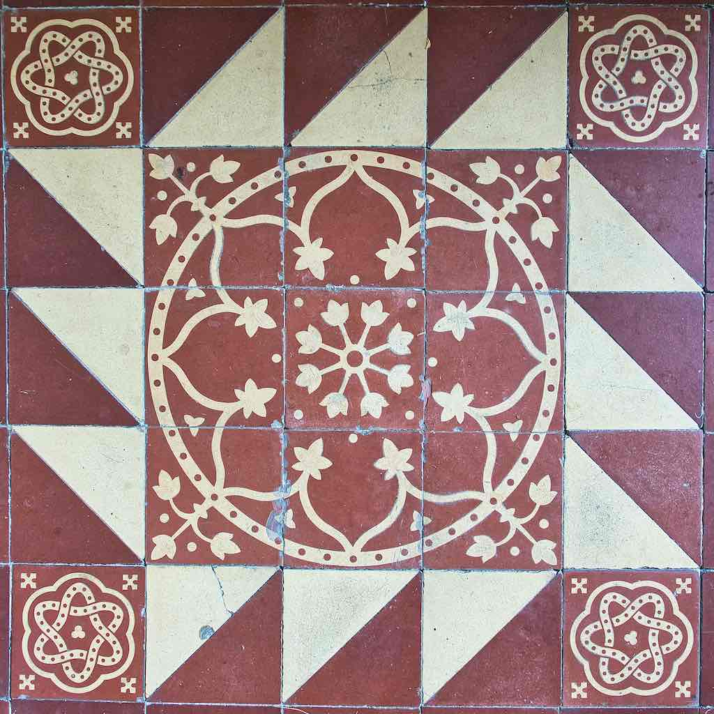 Victorian tiles always delight