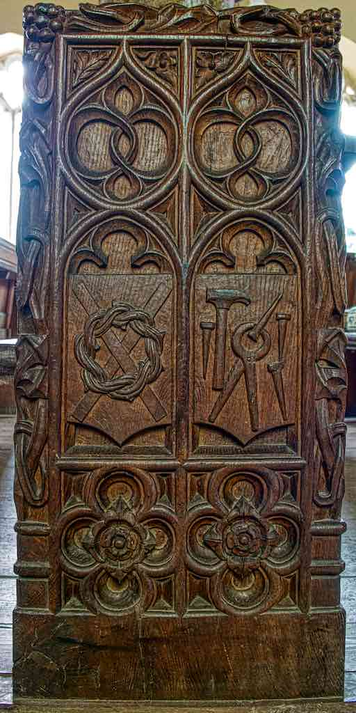 Bench End Wood Carving Plain Instruments OF The Passion Crown Of Thorns Violet Pinwill 20th Century Sheepstor