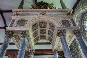 Monument Stone Carving Coloured Triumphal Arch Columns Sir Thomas Wyse 17th Century Marystow