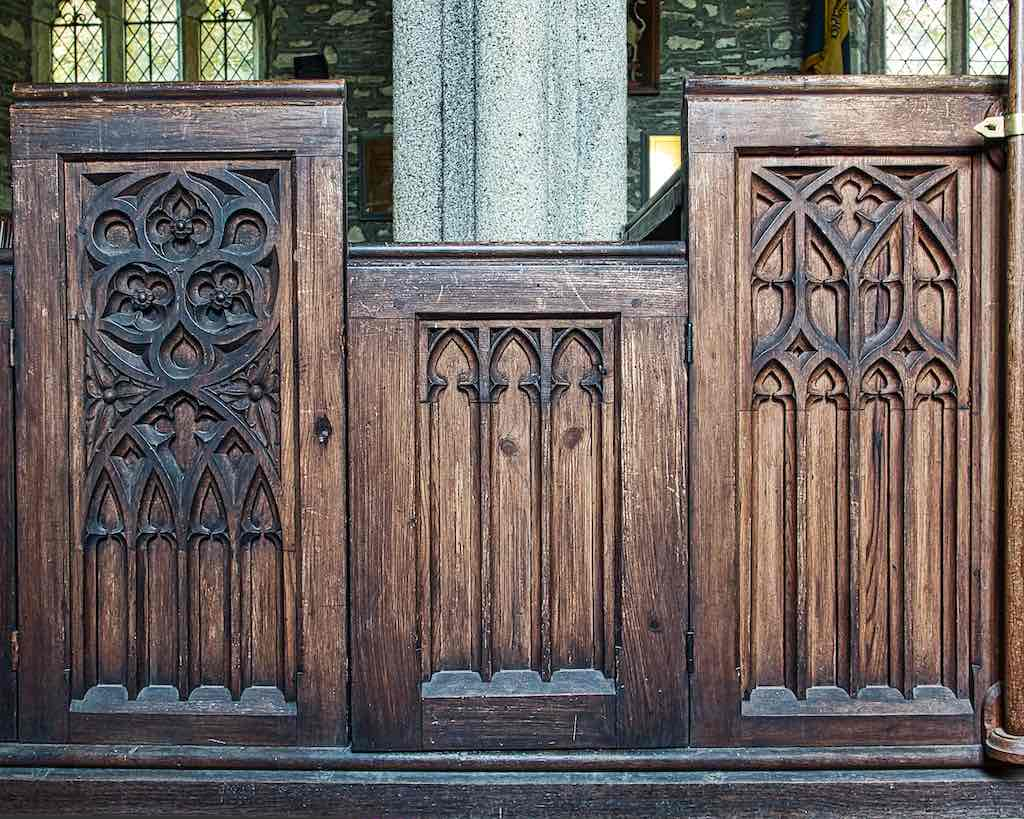 Very nice Victorian Neo-Gothic pews