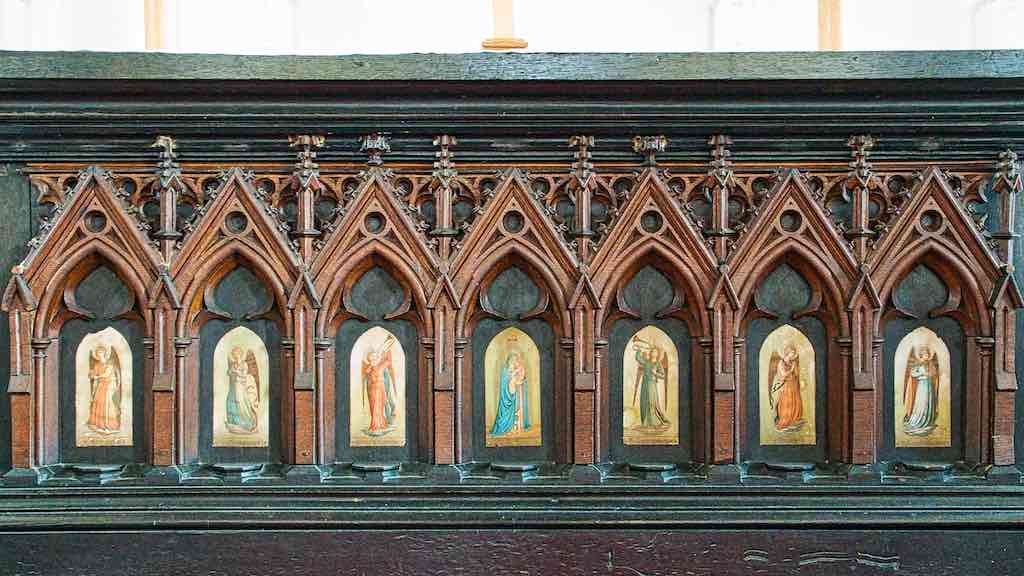 The 1840 Neo-Gothic altar modelled on the Cologne Cathedral Medieval High Altar