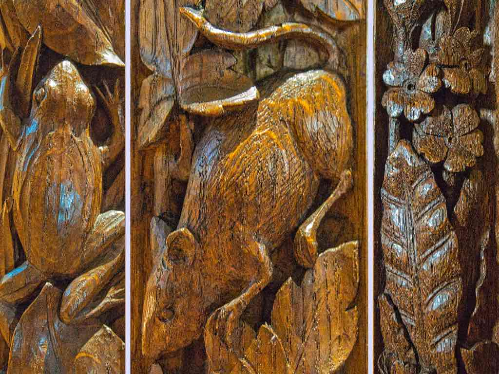 Wildlife on the bench ends