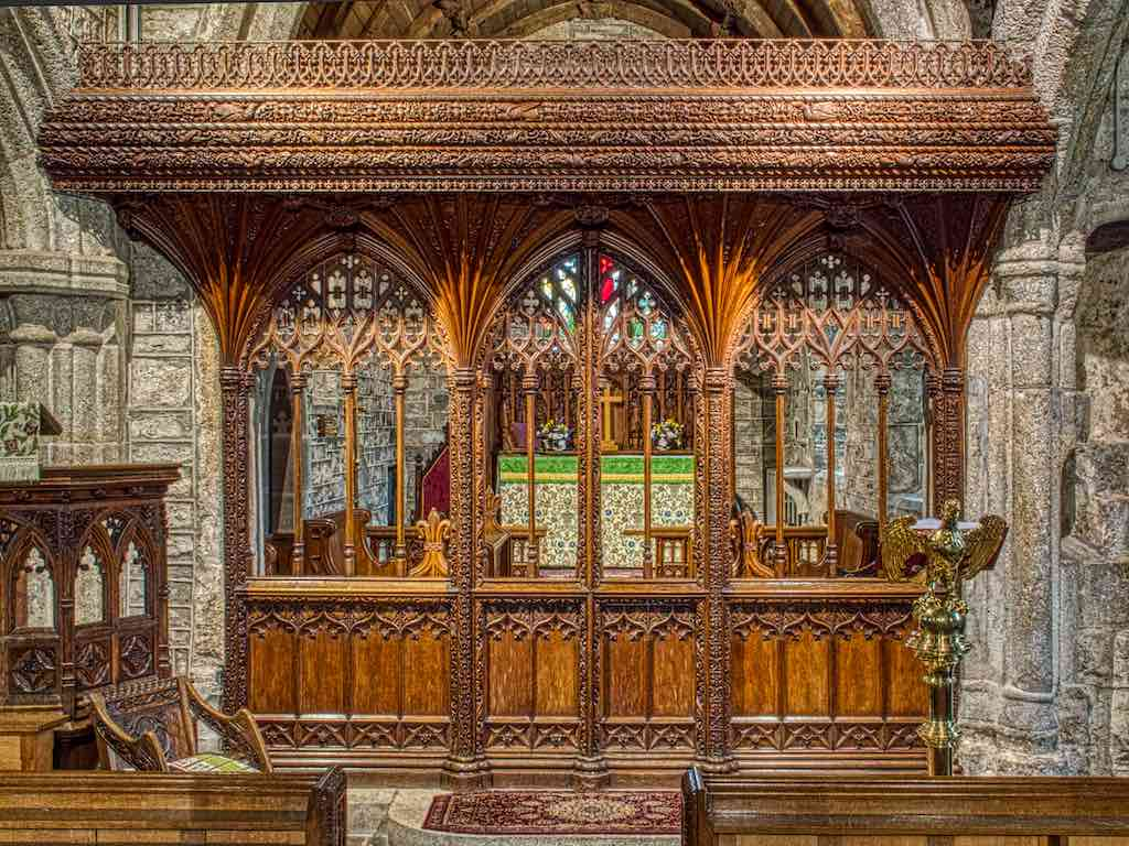 A beautiful early 20th century rood screen by Frederick Bligh Bond and the Pinwill Sisters