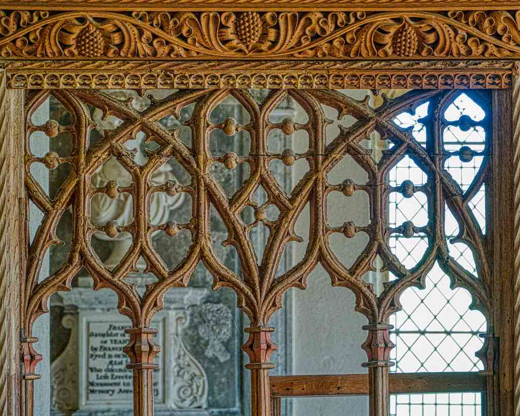 Fine and beautiful tracery here